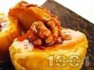 Рецепта Печени ябълки с орехи и акациев мед на фурна